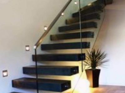 Balustrades-Black-Hollow-Staircase-2